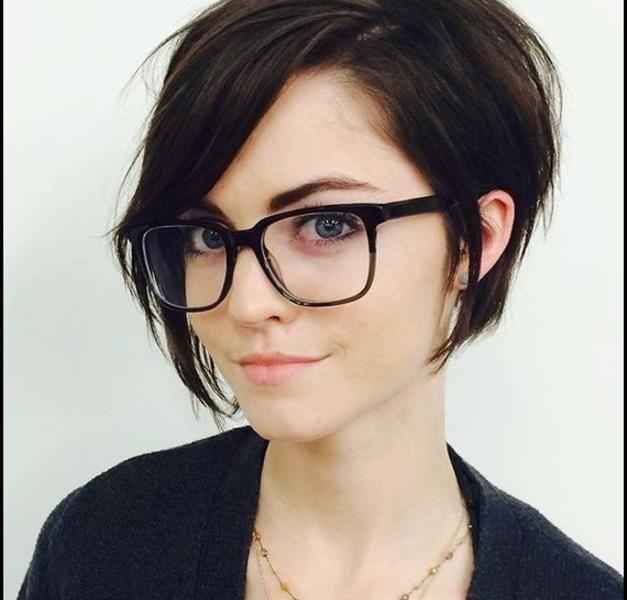 kurzhaarfrisuren 2017 frauen mit brille   haarschnitte und