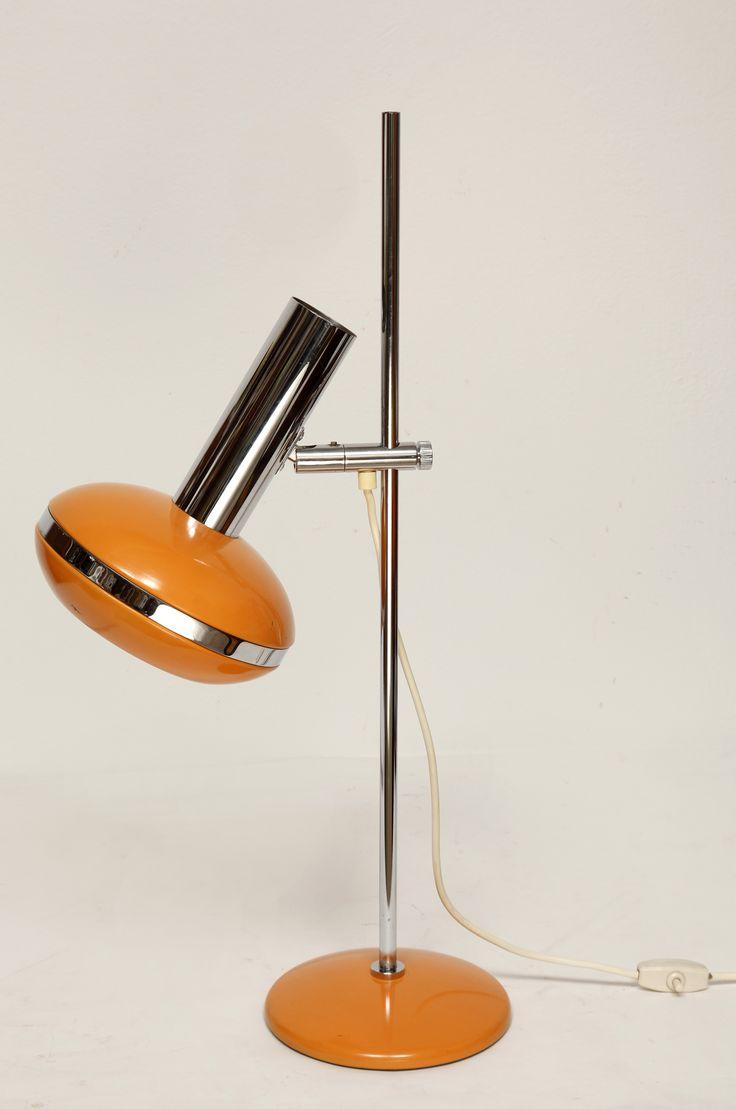 Pomarańczowa lampa biurkową z regulowaną wysokością z lat 70. XX w.  #vintage #vintagefinds #vintageshop #forsale #design #midcentury #midcenturymodern