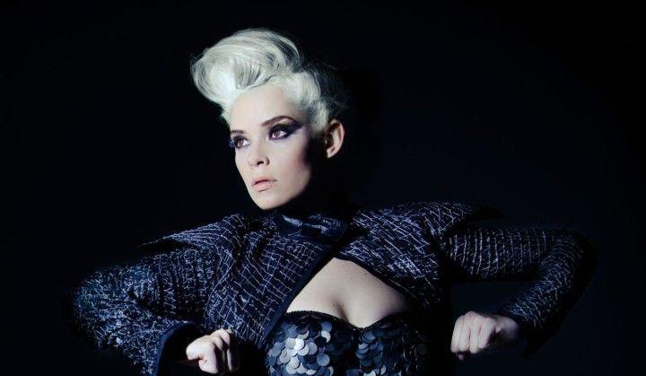A cantora Pop Lorena Simpson estará em João Pessoa-PB no Donana Pub para um show de sua turnê To The Ground Tour