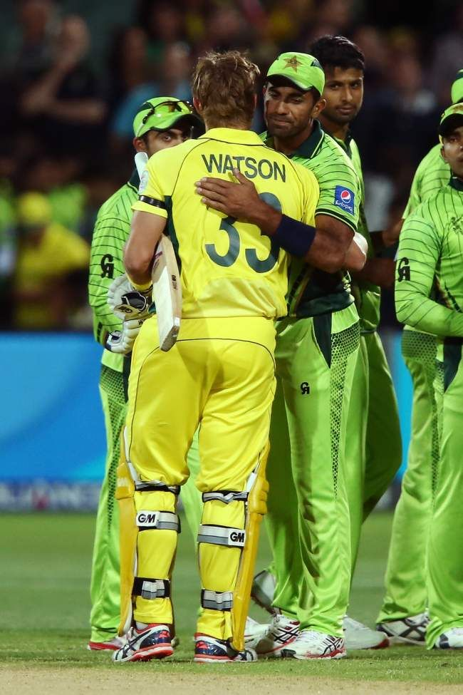 Shane Watson and Riaz embrace each other after one of the fiercest battles in World Cups