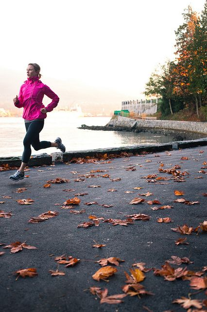 Lace Up Your Sneakers: 6 Tips for an Aspiring Runner