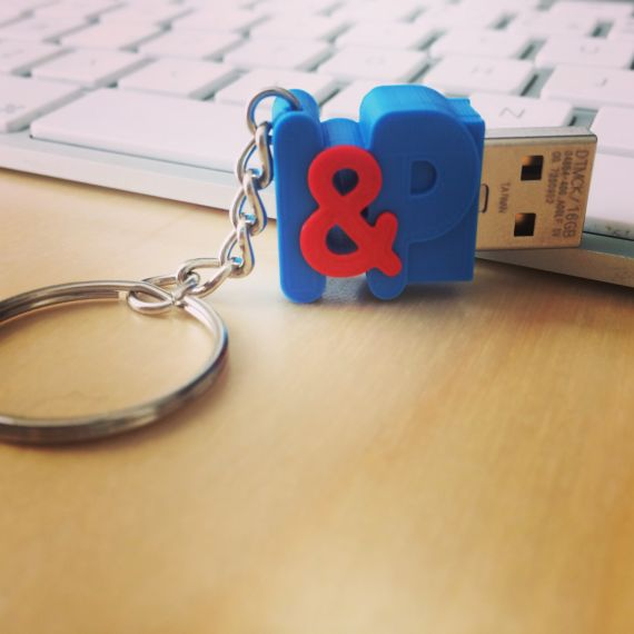 3d printing In Love – USB Flash Drive With Initials The perfect gift for weddings or anniversaries, for your loved ones or even for yourself!