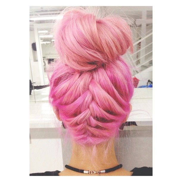 Love everything about this.. color and style! #hair #pink #braid