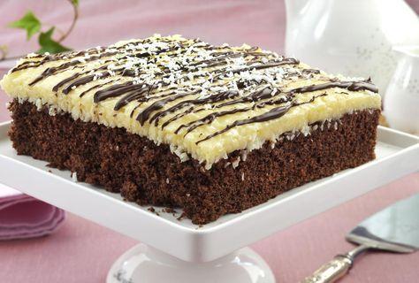 Liker du Bounty, er dette kaken for deg. Herlig langpannekake med sjokolade og kokos.