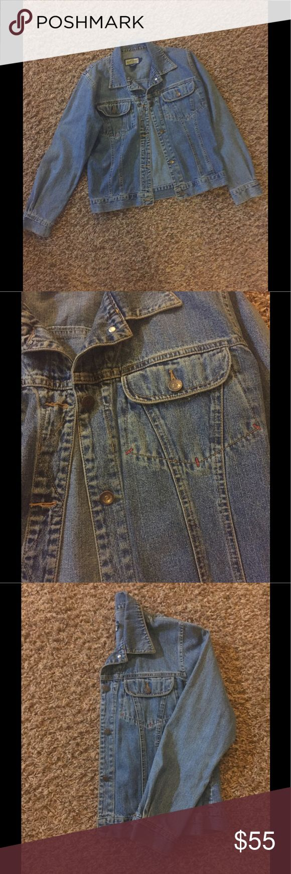Vintage RUFF HEWN Denim Jacket 💙, size S Very cool 😎 vintage RUFF HEWN Denim Jacket, size S!  Dress it up or down! Very gently worn, awesome condition 😜 RUFF HEWN Jackets & Coats Jean Jackets