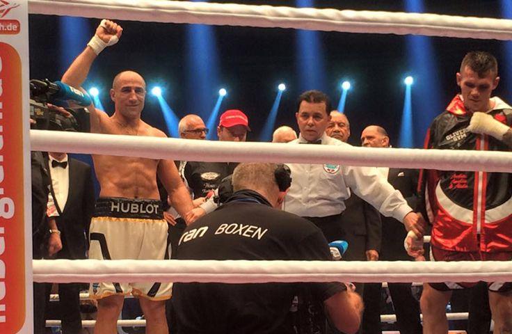Alle Resultate vom 21. November aus der TUI Arena im Überblick 1. Kampf im Schwergewicht, angesetzt auf 4 Runden: Alexander Hofmann (Deutschland)