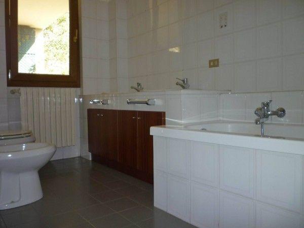 Vendita Appartamento Bellano. Trilocale in frazione Ombriaco. Buono stato, primo piano, posto auto, terrazza, riscaldamento autonomo