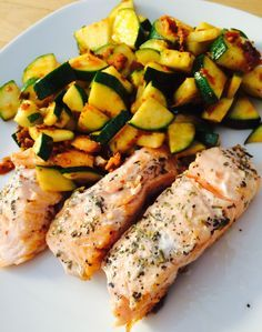 Beschwipster Lachs mit Zucchini - Low Carb Rezepte mit wenig Kohlenhydraten sprich kohlenhydratreduziert.