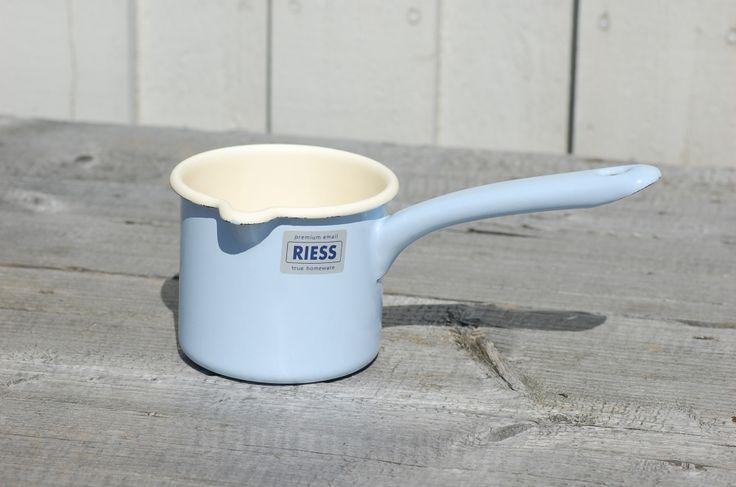 Riess Emaljkastrull hög med hällpip 0,5l Ljusblå