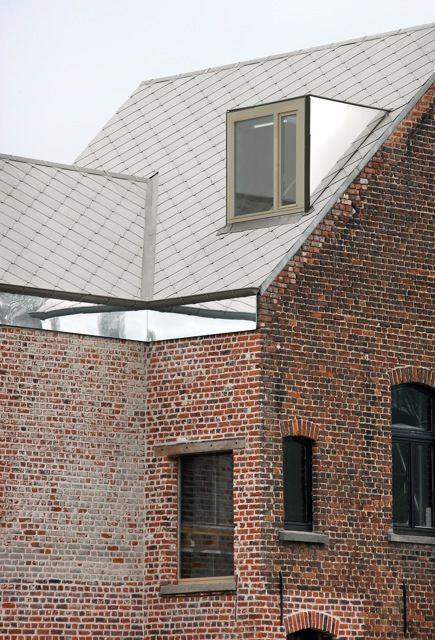 mirror walls:  great optical illusion House Rot Ellen Berg / architecten de vylder vinck taillieu