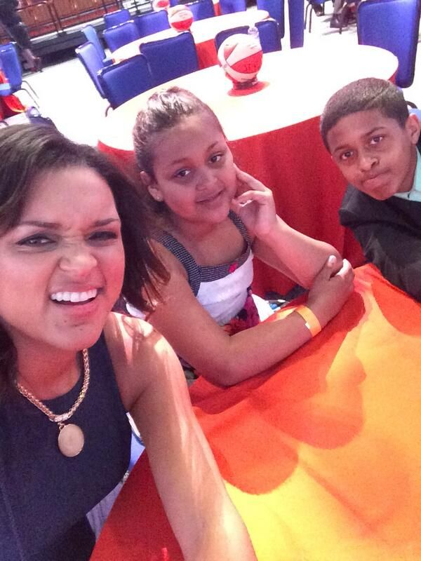 Kayla McBride tweets a selfie with her family on WNBA Draft day