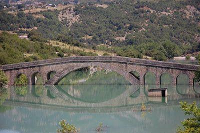 Γεφύρι της Τέμπλας (μισοβυθισμένο) - Βρουβιανά Αιτωλοακαρνανίας - ποτ. Αχελώος