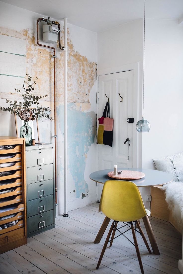 A Charming Copenhagen Apartment Full Of Vintage Finds (my scandinavian home) – S. Weee