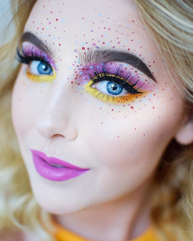 """WEBSTA @ bysaranilsson - 🍭colorful🍭..Face - @Toofaced """"Born this way"""" foundation. @ubcosmetics """"secret flush"""". toofaced """"cocoa contour"""" palette. @isadoraofficial highlighting stick. @vivaladivacosmetics highlighter """"pink silver""""   makeupstore eye dust """"april"""". Brows - Depend cosmetics brow pomade. Emite brow delfiner """"Holl"""". @lorealmakeup brow plumper.Eyes - @nyxcosmeticsnordics Ultimate shadow palette. @emitemakeup loose pigments. officialsnazaroo color. @mandycosmetics eyelashes…"""