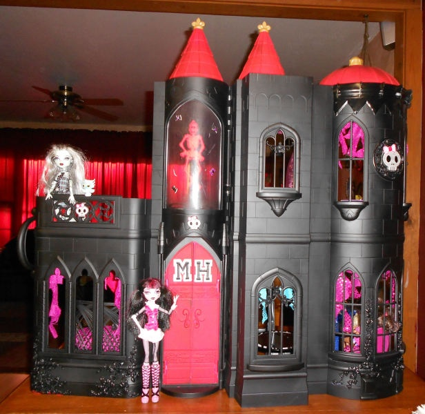 Old Princess Castle Painted Monster High Style Ideas For