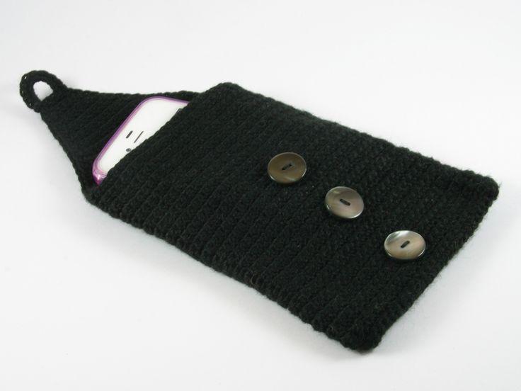 portacellulare in cotone nero con tre bottoni di Un Cesto di Gomitoli su DaWanda.com
