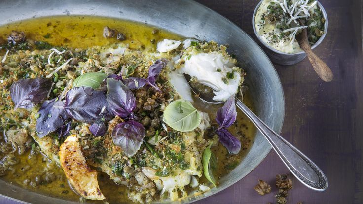 Ovnsbakt torsk med sprø topping, kapers- og sitronsmør