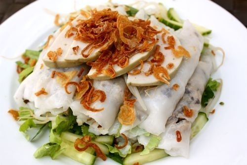 Bánh Cuốn (Steamed Rice Cake) -20 Vietnamese foods you need to try! (This is one of my top faves)