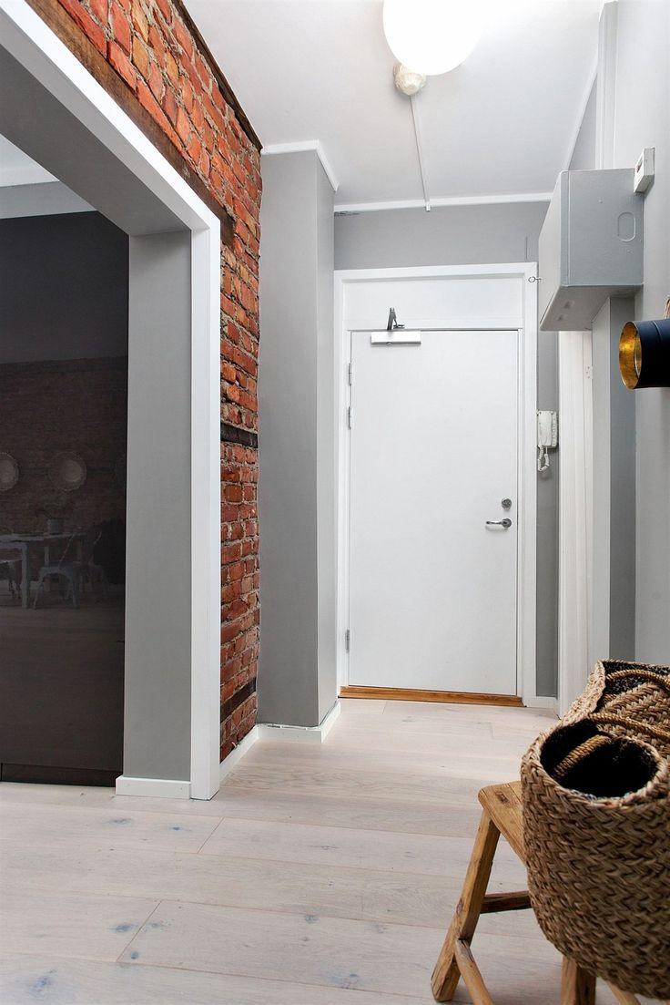 FINN – GRÜNERLØKKA - Nyoppusset, klassisk 3-roms med rosett og stilig teglsteinsvegg - Nytt kjøkken og bad - IN-ordning - Attraktiv beliggenhet