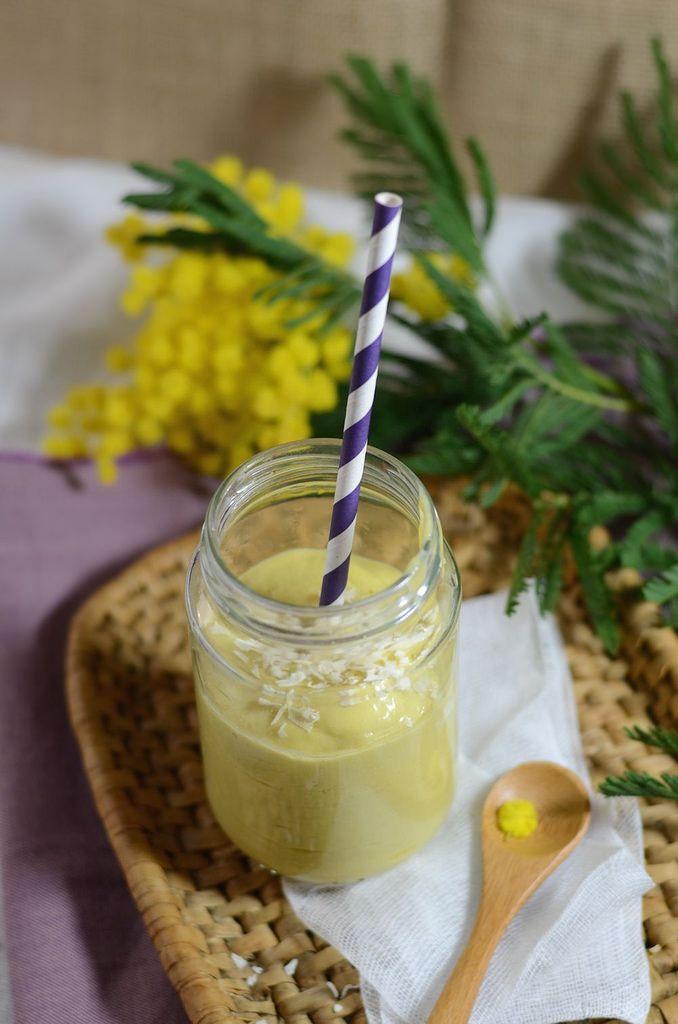 Smoothie mangue, banane et lait de coco -Tangerine Zest