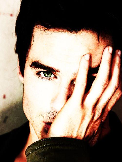 Nessas horas eu me pergunto, que cor é  o olho dele?
