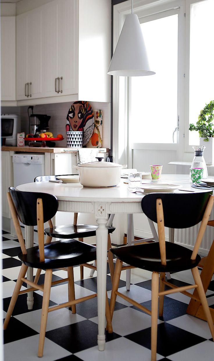 How to de clutter your beauty cabinet kendi everyday - Hemma Hos18 Beautiful Homes