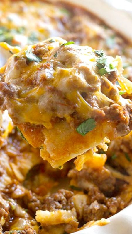 Beef Enchilada Casserole ~ Enchiladas without all the work... family friendly and done in under 30 minutes!