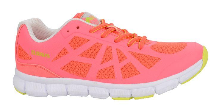 """Lekkie i wygodne buty do bieganiaAncona to lekkie buty, które doskonale sprawdzą się na trasie czy na miejskim bruku. Zostały wykonane w kontrastowych kolorach, dzięki czemu mają oryginalny i nowoczesny wygląd. Zastosowano w nich tzw. """"oddychający materiał"""", który zapewni Ci większą wygodę podczas biegania czy długich spacerów.Specjalna podeszwaLekka podeszwa z tworzywa EVA sprawia, że buty nosi się niezwykle komfortowo. Podeszwa dopasowuje się profilem do kształtu stopy. Wykonano ją ze…"""