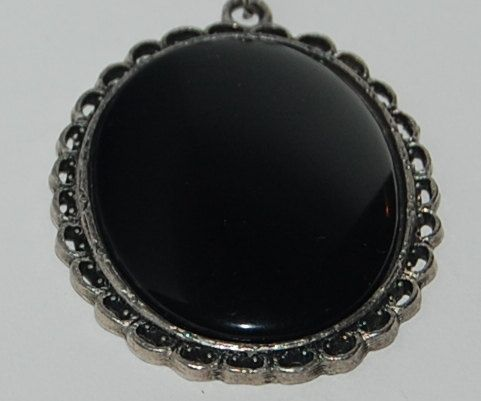 SOLD Filigree black round pendant necklace
