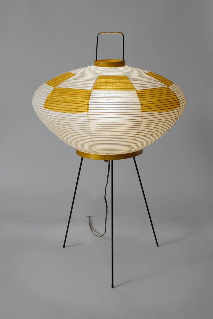 Isamu Noguchi paper lamp to go with my Noguchi coffee table.