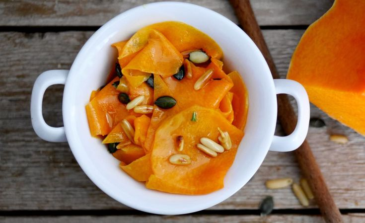 Avete mai assaggiato la zucca...cruda? Il carpaccio di zucca alla siciliana è la prova di quanto sia buona, oltre che salutare!