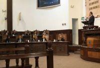 Se acusan mutuamente Moreira y  PAN en el caso de la deuda pública