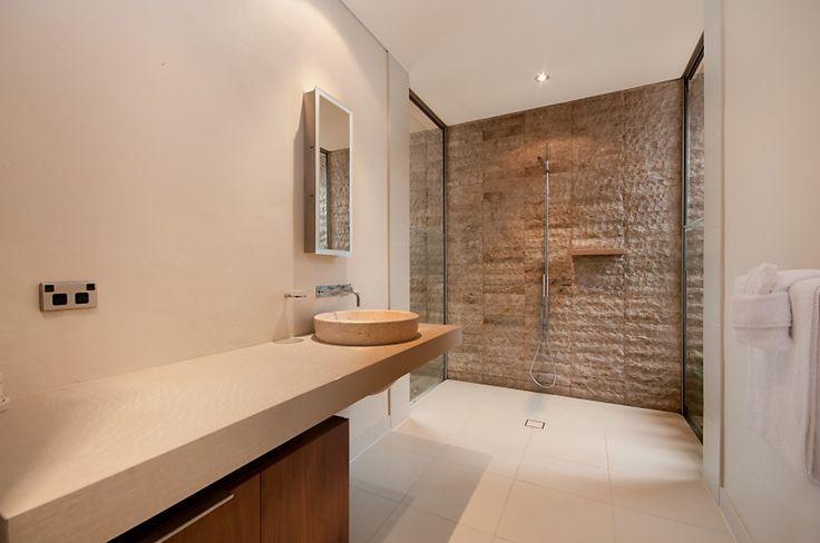 Port Douglas Accommodation - SIXTY TWO Niramaya - Luxury Villa