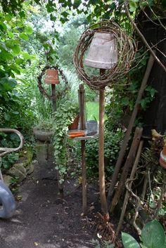 Einmachglashalter umfunktioniert als Gartentischchen