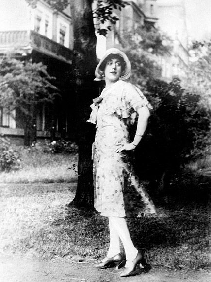 Transgender in the 1920s: The Amazing Story of the Real-Life Danish Girl http://www.people.com/article/transgender-danish-girl-lili-elbe