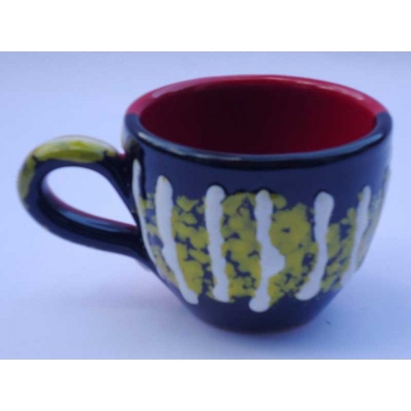 Ceramica Artistica  Tazza da caffè in ceramica decorata a mano, realizzata a Cava de' Tirreni  Diametro cm 5 - Altezza cm 6.  Maggiori info su: http://www.keramos.it  Per contatti diretti: info@keramos.it    Ceramic Art  Coffee cup in hand-decorated ceramics. Made in Cava de' Tirreni  Diameter 5 cm - Height 6 cm  More info on: http://www.keramos.it  Direct contact: info@keramos.it