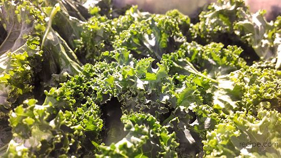 Crispy Kale Chips: The Snack You Don't Have to Resist!