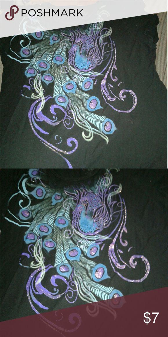 No boundaries peacock shirt Peacock design on shirt. Tag has been cut out. No Boundaries Tops Tees - Short Sleeve