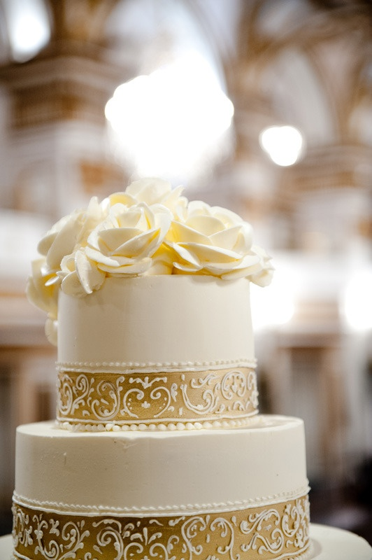 New Year's Eve Wedding at the Fairmont Copley Plaza  Photography by klimagery.com, Cake by cakestoremember.biz