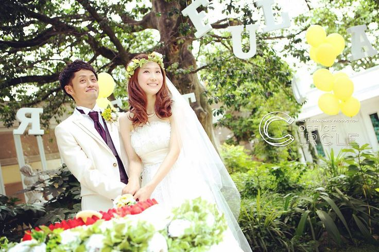 沢山の緑と* * * #アンジュデラヴィ #結婚式 #ガーデンウェディング #カジュアルウェディング #結婚式diy #結婚式写真 #ウェディング #ウェディングフォト #wedding #weddingphotography #weddingdress #weddingtbt #tbt #bridal #プレ花嫁 #2016夏婚 #2016秋婚 #関西花嫁 #officecircle #osaka #大きな木 #シンボルツリー #花かんむり #cute #おしゃれ #かわいい #cutegirl #ケーキカット