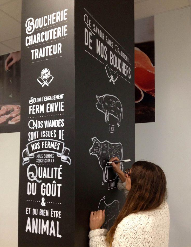 hand lettering pour l'espace boucherie du magasin ferm'envie - posa blanc -
