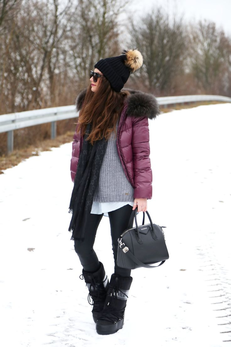 outfit-snow-moon-boots-gucci-scarf-edited-blouse