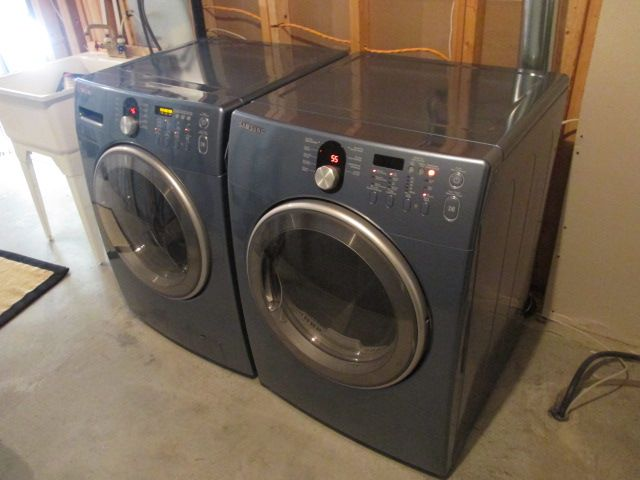 SAMSUNG GRAPHITE FRONT-LOADING WASHER AND DRYER Content sale from trendy Barrhaven home – 216 Serena Way, Ottawa ON. Sale will take place Saturday, April 18th 2015, from 9am to 2pm. Visit www.sellmystuffca... for full sale description and photos of all available items!