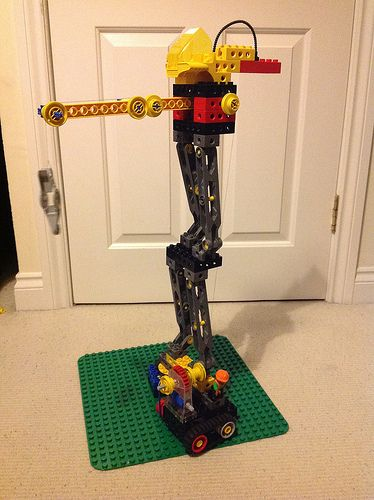 Lego Duplo Toolo and Gears Remote Control Crane v2 | by Ravnut
