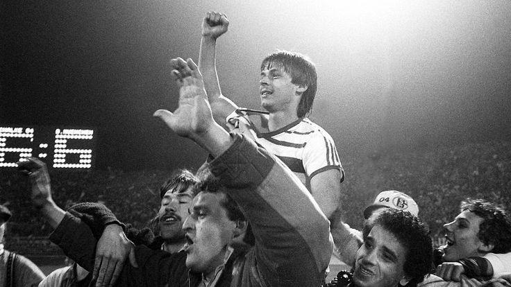 Legendäres 6:6 im DFB-Pokal: Als Schalkes Olaf Thon den FC Bayern nervte