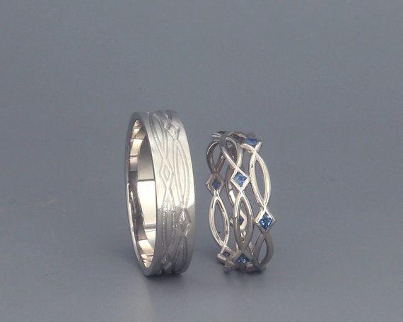 Set de 14K oro blanco anillos de boda de eternidad con zafiro | Blanco de 14k hecho a mano anillos de bodas de oro de la eternidad | Su y suyo vendas de boda
