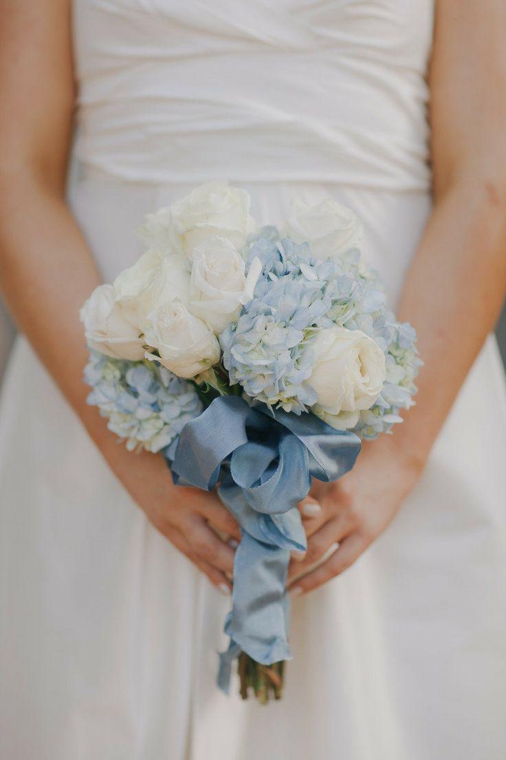 hydrangea bouquet | Powder blue hydrangea Wedding | Ispirazione primaverile: Ortensie azzurro polvere http://theproposalwedding.blogspot.it/ #wedding #spring #blue #hydrangea #matrimonio #primavera #ortensie #blu