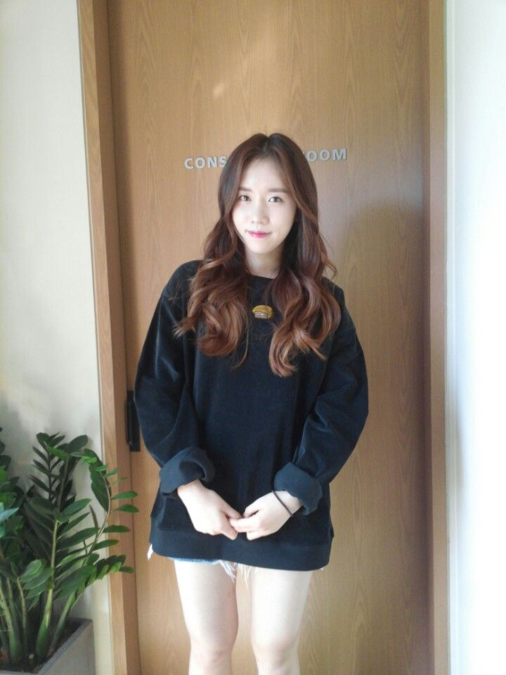 [Lovelyz] Jiae & Jin for LUV IS TRUE Clothing (2p)