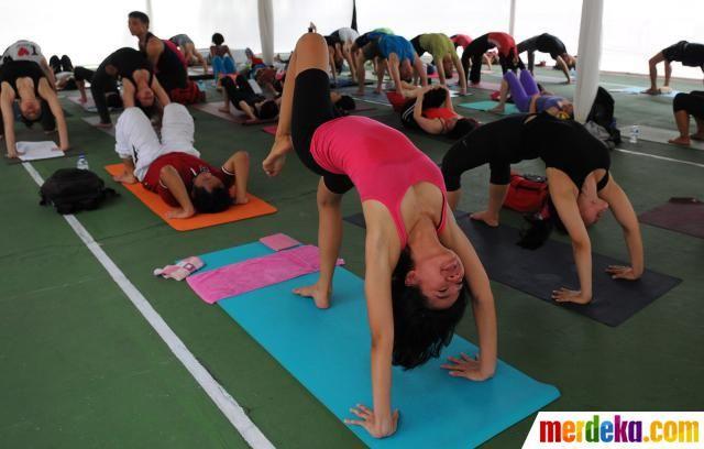 Latihan Yoga di Ubud - Wisata Ubud di Bali