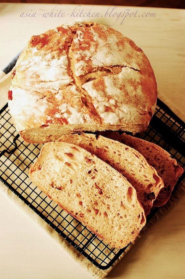 Chleb z rodzynkami na zakwasie żytnim